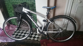 Giant Road Bike for Sale with fairly new tyres and bike lock included £100