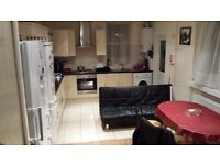 Manor Park in nice refurbished house double and box room to rent