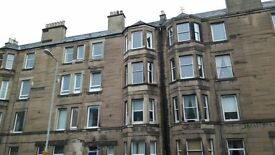 Attractive impressively spacious 2 bedroom furnished 2nd floor Victorian flat on Slateford Road