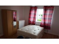 (2 BIG CHEAP ROOMS IN THE SAME HOUSE!!!!BEAUTIFUL PROPERTY!!!