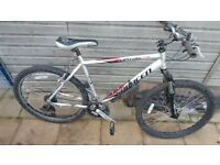 2x bike for parts of repair both you can ride on just both needs attention!Can deliver!