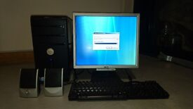 """DELL Vostro 200 with 17"""" monitor, Keyboard and speakers in good working order (factory reset)"""