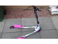 LARGE GIRLS SLIDER SWAYER SCOOTER IN EXCELLENT CONDITION AGE 8+