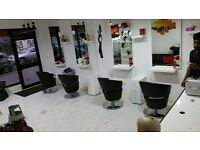 Beauty room to rent in a Salon