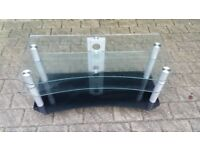 Lovely glass tv stand in very good condition!