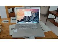 Apple Macbook Pro 17 inch 2.4GHz Dual Core 4GB Ram 160GB