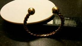 9ct solid gold heavy chunky torque bangle 44 grams