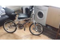 BMX BIKE . 4 Stunt Pegs Included, Chain Mud Guard, Bell, Front and Rear Brakes
