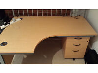 Ergonomic Office Desk with Drawers : £40