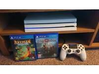 PS4 Pro White + Games