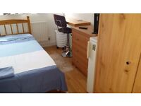 LOOKING FOR A GIRL FOR A SINGLE ROOM PUTNEY HEATH FURNISHED 5 MARCH