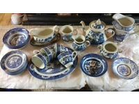 dinner service tea set blue old willow english ironstone tableware staffordshire england churchill