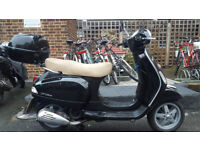 Vespa LX125 ie 2013 fully serviced - only owner from new
