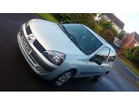 Renault clio 1.2 16v with low 61400 miles, clean car, has some scratches, good condition 500