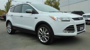 2016 Ford Escape SE 4X4 - ONLY 24,737 KMS!!! CLEAN CARPROOF