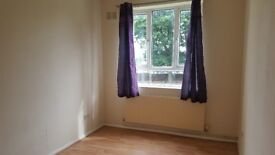 **ONE BEDROOM GROUND FLOOR FLAT**SECURE OFF-STREET PARKING**IMMEDIATE VIEWINGS *FLAT 3 -VICAR ST*