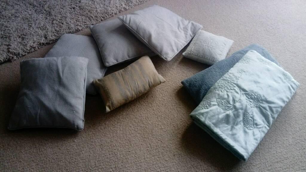 Cushion and throw bundle