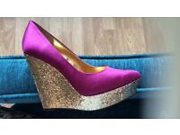Shoe dazzle wedges size 6