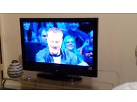 """HITACHI 26"""" 720p HD READY LCD TV BUILT IN FREEVIEW BUILT IN DVD,CLEAN EXAMPLE"""