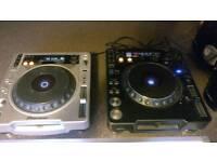 Pioneer CDJ1000 MK2 & Pinoneer CDJ800 MK2