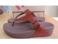Brown leather fitflop flip flop sandals. UK size 5