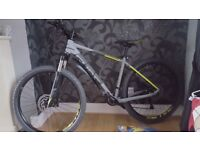 """Cube attention sl 18"""" 27.5 2017 model 3 months old excellent condition"""
