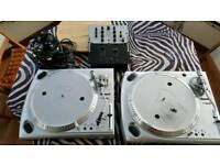Pair of Numark turntable TT1650 and DM1050