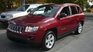 2012 Jeep Compass Sport north edition  8 pneus garantie avril 20
