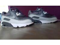 Nikes size 7.5 toddler