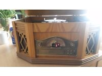 Retro style record player /stereo