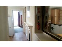 Fully furnished 1 bed studio flat for rent in prestigious West Hoe area