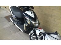 SYM JET4 125CC 65 PLATE. 2 KEYS, LOGBOOK, ALL PAPERS, ONLY 5000KM
