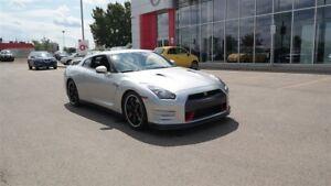 2014 Nissan GT-R Premium, AWD, Turbo, Leather, Navigation, Back