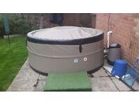 Hot Tub - Like New!