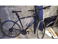 Giant Roam 3 Mens Bicycle (Hybrid) Less than year old
