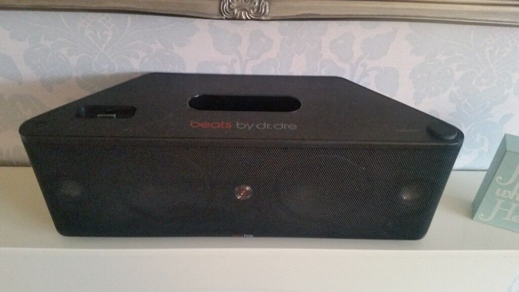 Beats By Dr Dre Beatbox Iphoneipod Sound Dock Portable Speaker