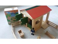 ELC Wooden stable and Riding set with horse age 3+ with assembly instructions