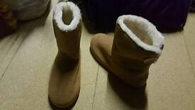 Brand new slippers size 5-6
