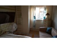 Short term double rooms to let
