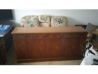 QUALITY SOLID OAK LONG SIDEBOARD FOR SALE.