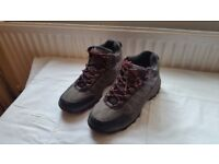 Donnay Hiking/climbing boots size 5.5