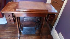 Singer Treadle Sewing Machine No 66 1930 in excellent condition