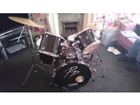 **PERFECT FOR NEW PLAYERS** Performance Percussion drum Kit with Pearl cymbals
