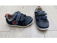 Clarks First Shoes size 4 1/2