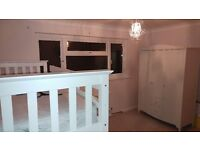 double room to let in 3 bedroom semi detached house in lee on solent.