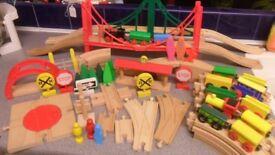 HUGE Bundle 80+ Wooden Train Track Trains Bridges 4 way Turntable Points BARGAIN £28 - CAN POST