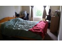 Lovely double room available in Cotham