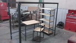 Lit mezzanine transformable, en acier et bois naturel. 50% de Rabais sur démo.