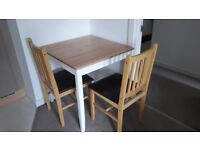 Table and Chairs set for sale. Excellent Condition