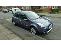 Immaculate Renault Clio 2009 1 lady owner long tax and mot